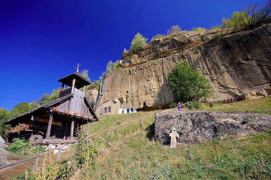 Rumunia: Monastyr Corbii de Piatra