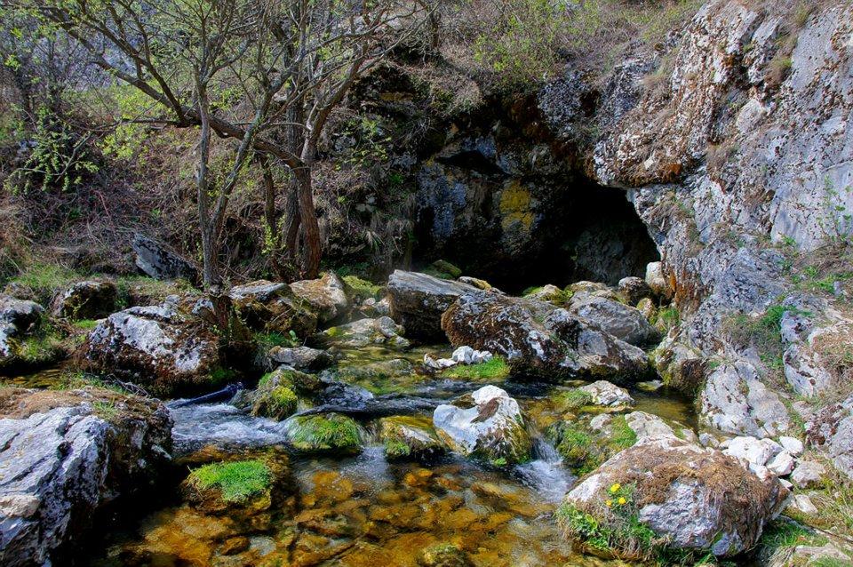 Karpaty Rumuńskie: Jaskinia (Peștera) Isverna – Góry Mehedinti